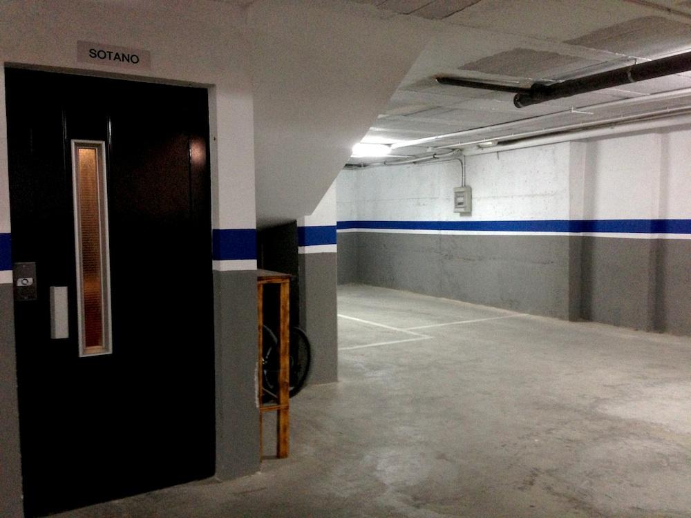 Ascensor y garaje
